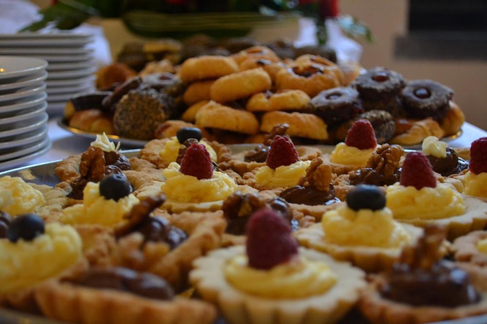 przekąski słodki ciastka babeczki